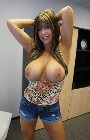 Wife Big Boobs Pictures