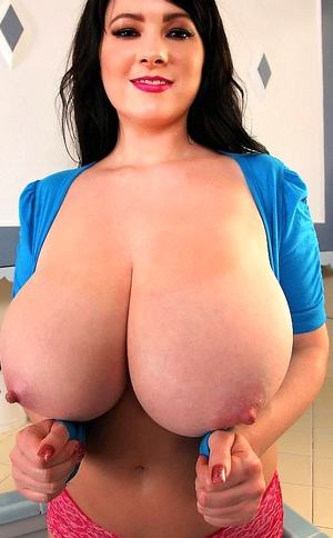 Oiled Big Boobs Pictures