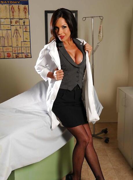 Nurse Boobs Pictures