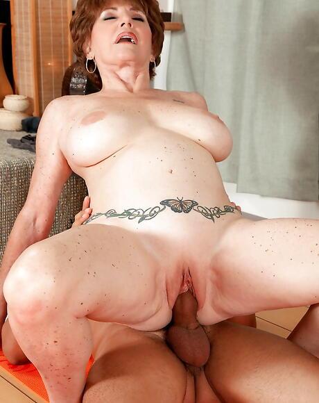 Big Granny Boobs Pictures